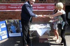 15 Heaton Chapel station i